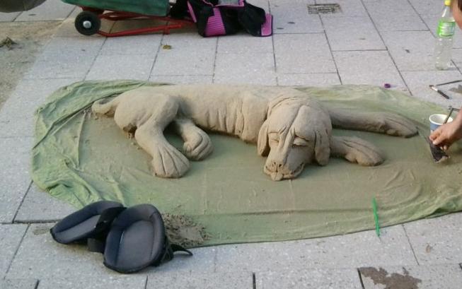 hund-aus-sand