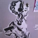 streetart-fulda-frau-mit-farbrolle