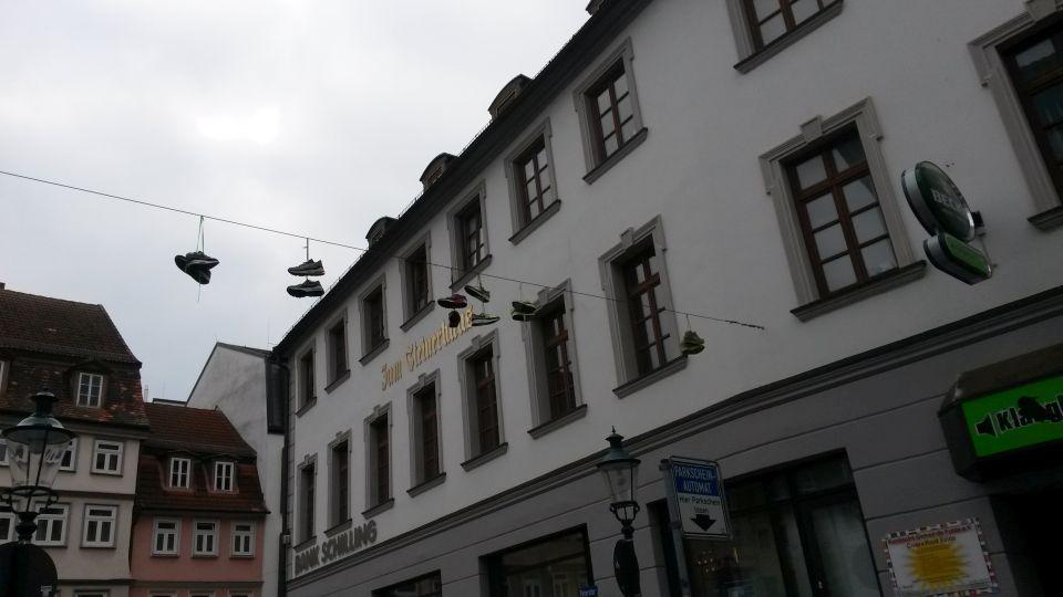 streetart-mit-schuhen-2015-4